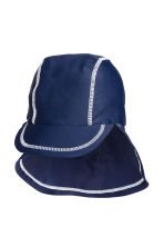 Cap with UPF 50 - Dark blue - Kids | H&M 1